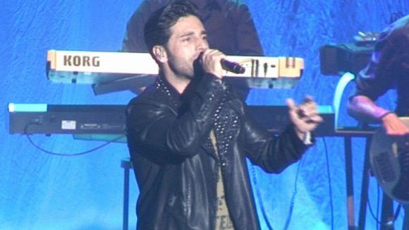 David Bustamante satisfà els seus fans amb un concert explosiu i enèrgic