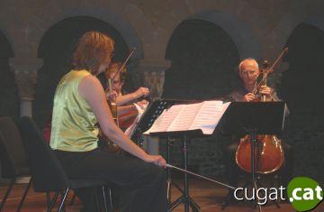 El claustre del Monestir acomiada el 5è Festival de Música de Cambra
