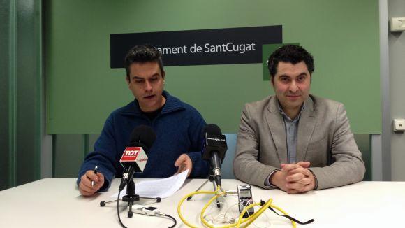 Els regidors Joan Calderon d'ICV, a l'esquerra, i Ferran Villaseñor del PSC
