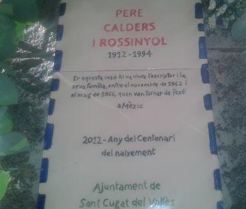 Sant Cugat recorda Pere Calders amb una placa a la casa on va viure