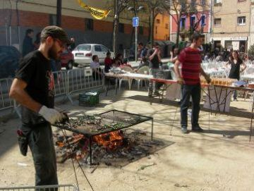 Una calçotada popular aplega l'esquerra independentista local