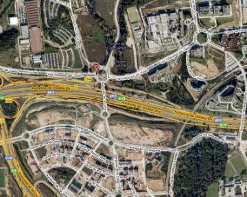 Llum verda urbanística a la implantació dels laboratoris Esteve i Echevarne