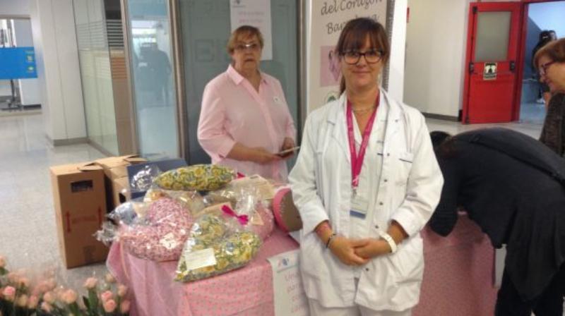 Taula informativa a l'HGC per commemorar el Dia Mundial del càncer de mama