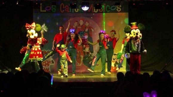 'Cantamúsicos' omple de personatges animats el Teatre la Unió