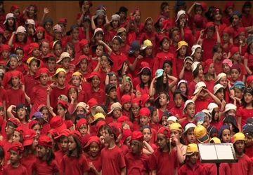 Ple absolut a la 'Cantata del nen trapella' al Teatre-Auditori