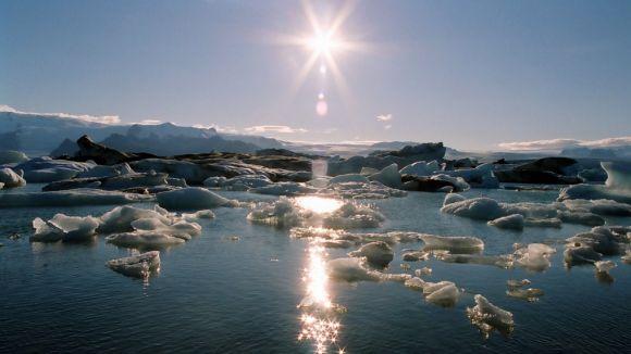 Els santcugatencs s'impliquen en la lluita contra el canvi climàtic en la primera mostra sobre aquesta problemàtica