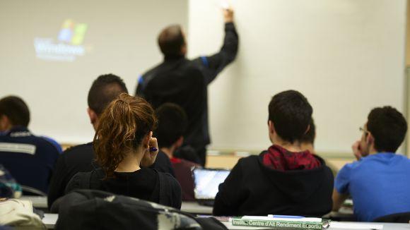 Els joves en atur podran accedir a programes de formació ocupacional