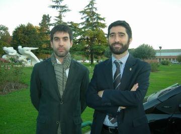 Xavier Tizón i Jordi Puigneró davant de les instal·lacions del CAR