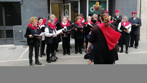 Les caramelles omplen de cants i tradició els carrers de la ciutat per Pasqua