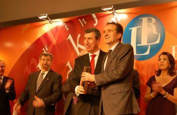 El santcugatenc Carles Casajuana, Premi de les Lletres Catalanes Ramon Llull
