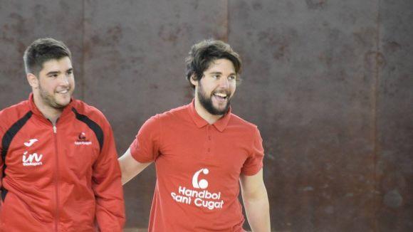 Carlos Marín, a la dreta, amb el també jugador vermell-i-negre Àlex Ortega / Font: Handbol Sant Cugat