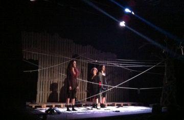 Les dones de 'Carmela, Lilí, Amanda' demostren la capacitat femenina davant les adversitats
