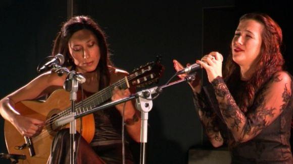 La cantaora Alba Carmona puja dalt l'escenari un flamenc transversal i obert