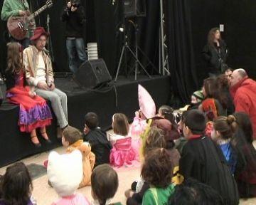 El Carnaval a Valldoreix aplega més de 500 persones, tot i el fred
