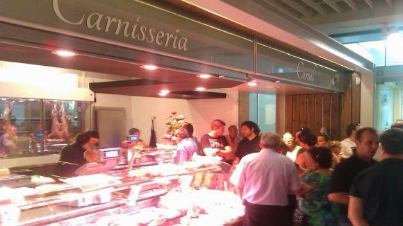 La Carnisseria Corral es trasllada al mercat de Mira-sol