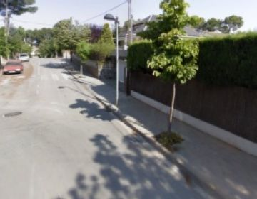 Finalitza l'asfaltat del carrer Esparver de Valldoreix, a l'espera de completar l'arranjament de la via
