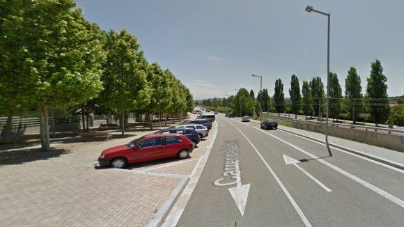 Tres habitatges ocupats a una comunitat de propietaris al carrer Vallseca, a Mira-sol