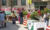Coincidint amb la Diada de Sant Jordi els carrers vinantitzats es van omplir de parades de roses i llibres