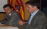El director de Procolor, Lluís Dalmau, i l'alcalde Recoder en l'acte de presentació de la Carta de Colors