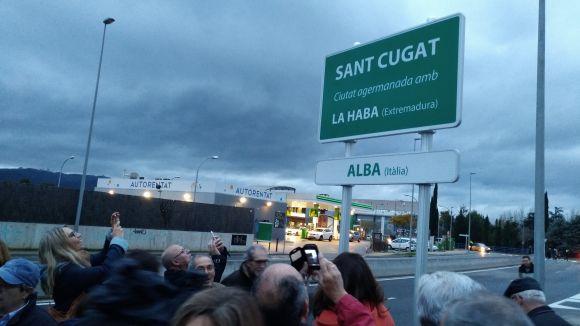 El cartell és a l'entrada de la ciutat per Cerdanyola