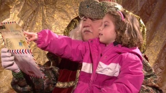 Els patges reials llancen un missatge de pau i bondat als santcugatencs