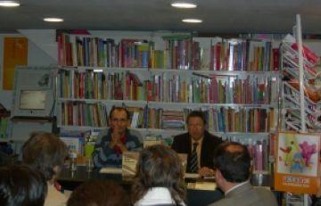 'La Petita Història dels Humans', del biòleg Jordi Casanova, omple la llibreria Alexandria