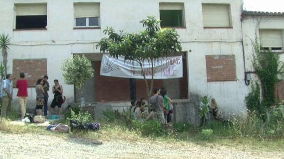 L'Ajuntament alerta que les cases okupades de la Floresta són insegures