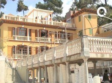 El Casino de la Floresta ensenya la seva nova fesomia als veïns