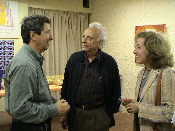 Castanyer al costat dels artistes Grau-Garriga i Imma Pueyo.