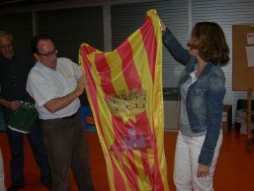 Conesa felicita els Gausacs assistint a un dels assajos de la colla