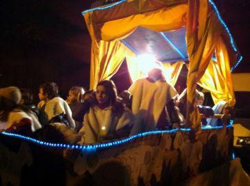Melcior, Gaspar i Baltasar recorren Valldoreix amb una desena de carrosses