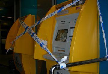 Un detingut per malmetre caixers automàtics dels Quatre Cantons