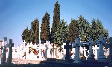 L'Ajuntament fa front a la manca d'espai al cementiri amb el desnonament d'un centenar de nínxols