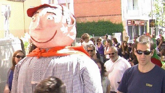 La Cercavila d'Escoles més multitudinària omple els carrers de gent i figures