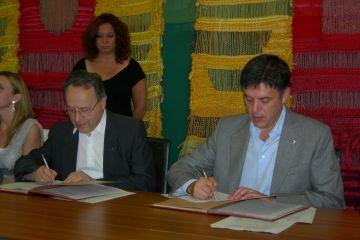 L'Ajuntament i la Parròquia segellen la cessió de la Llar d'Infants Nostra Senyora de Montserrat al consistori