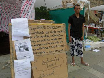 Chakkour rep l'alta i abandona la vaga de fam
