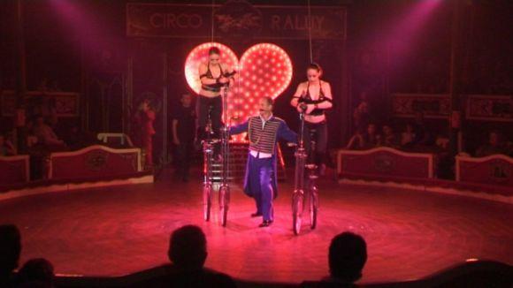 El Circ Raluy arrossega grans i petits