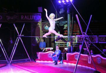 Més de 200 persones del tercer sector visiten el circ Raluy