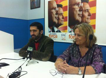 Jordi Puigneró acompanyat per la membre del partit Sílvia Cazorla