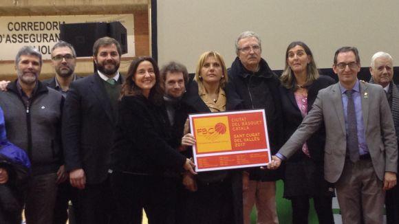 Sant Cugat rep la placa simbòlica com a Ciutat del Bàsquet Català 2017