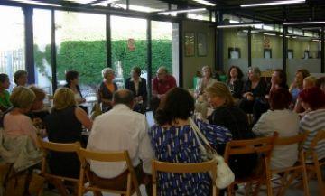 Els clubs de lectura de la Biblioteca acomiaden el curs amb l'escriptora Monica Zgustova