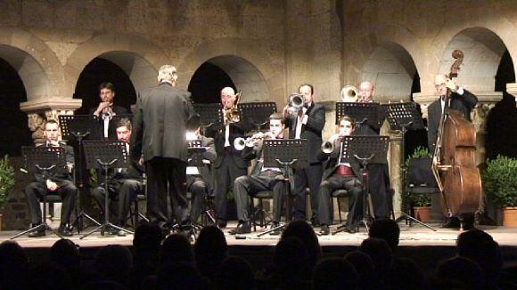 Les 'Nits de música al Claustre' s'acomiaden amb sardanes fins l'any vinent