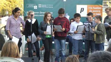 Alumnes i rapsodes s'uneixen al 'Barri dels poetes' per donar veu a Maragall