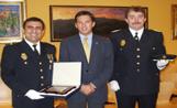 A l'esquerra el sots-inspector González al costat de l'alcalde i el comissari de Sant Cugat