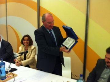 Els membres de la Federació de Comerciants han obsequiat Galvany en el seu comiat