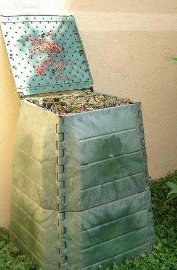 L'Ajuntament regala 40 aparells per fer compostatge casolà
