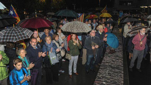 Més de 600 persones es concentren per donar suport als imputats pel 9N
