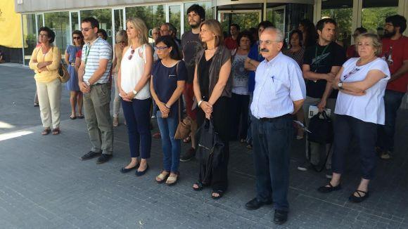 Concentració a l'ajuntament per condemnar els atemptats a Bangladesh i Bagdad