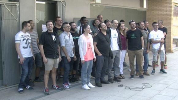 Socis del Club Cànem es concentren per reprovar la postura de l'Ajuntament