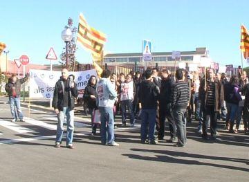 Una cinquantena de treballadors d'HP protesten contra els recents acomiadaments